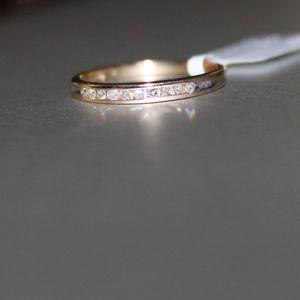 10k gold diamond band